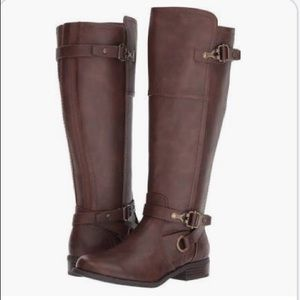 GUESS wide calf boots✨